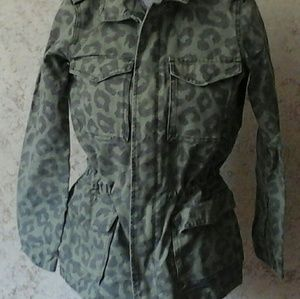 Jackets & Blazers - Button front leopard printed grey/green jacket